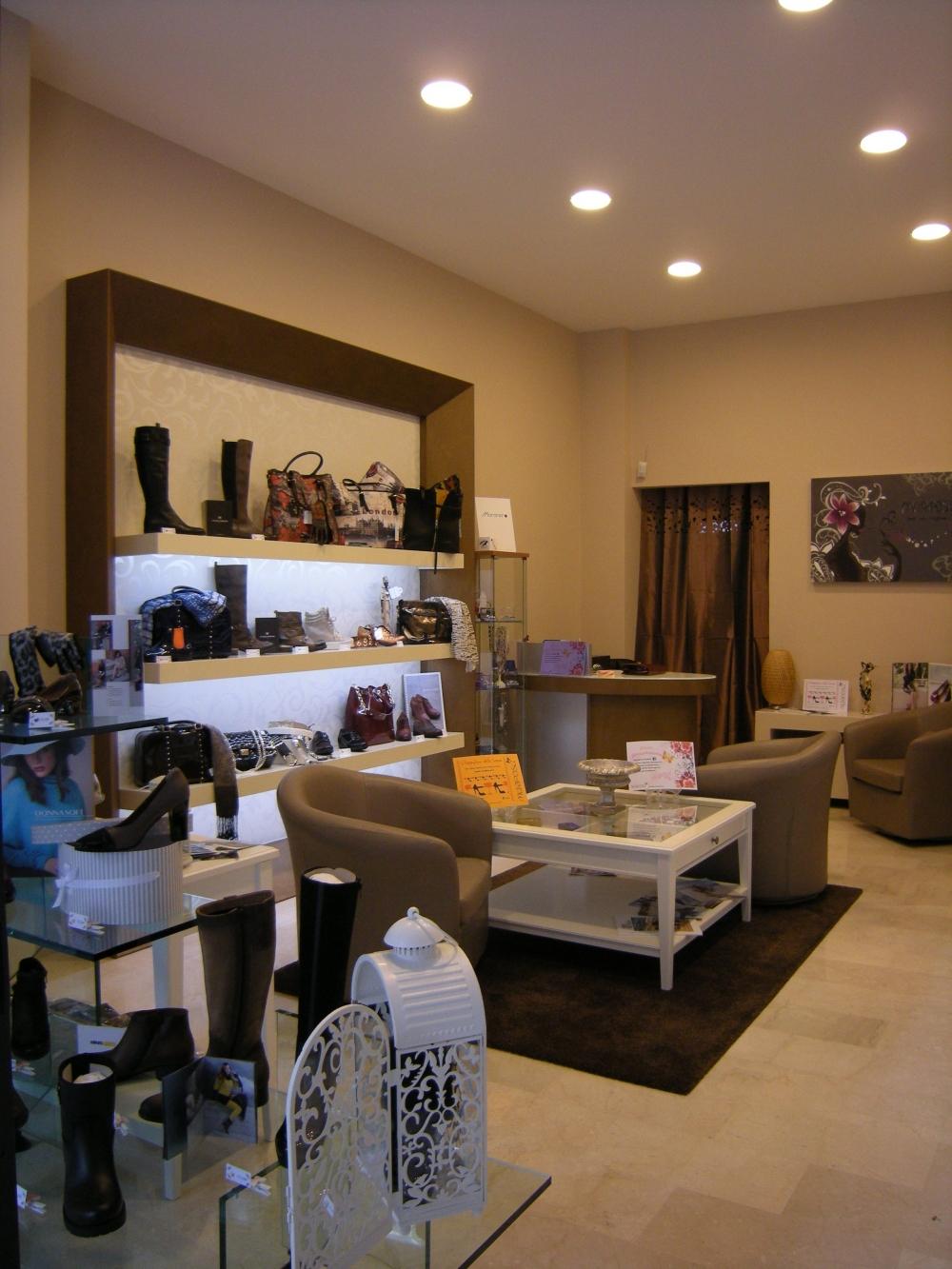 arredamento negozi di calzature bologna arredamento